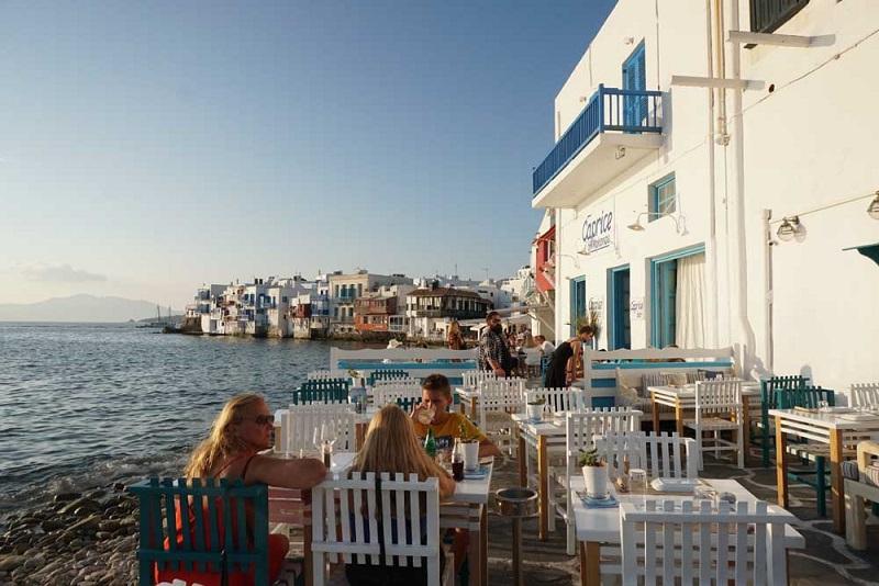 Restaurante a beira-mar de Mykonos