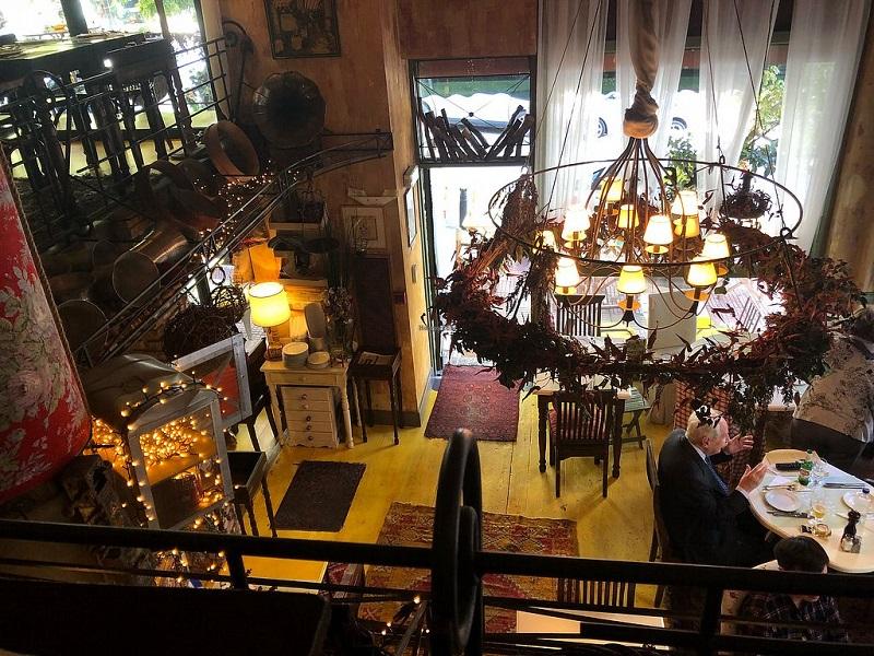 Restaurante Oikeio em Atenas