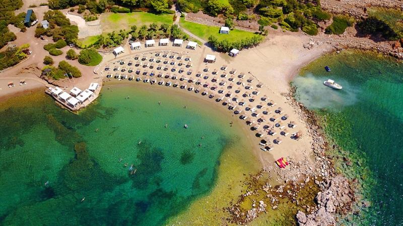 Praia de Cabo Sounion perto de Atenas