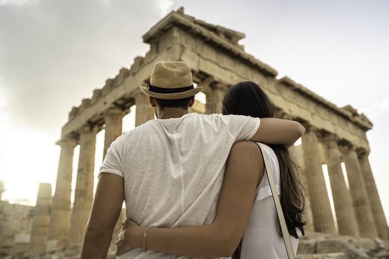 Casal na Acrópole em Atenas