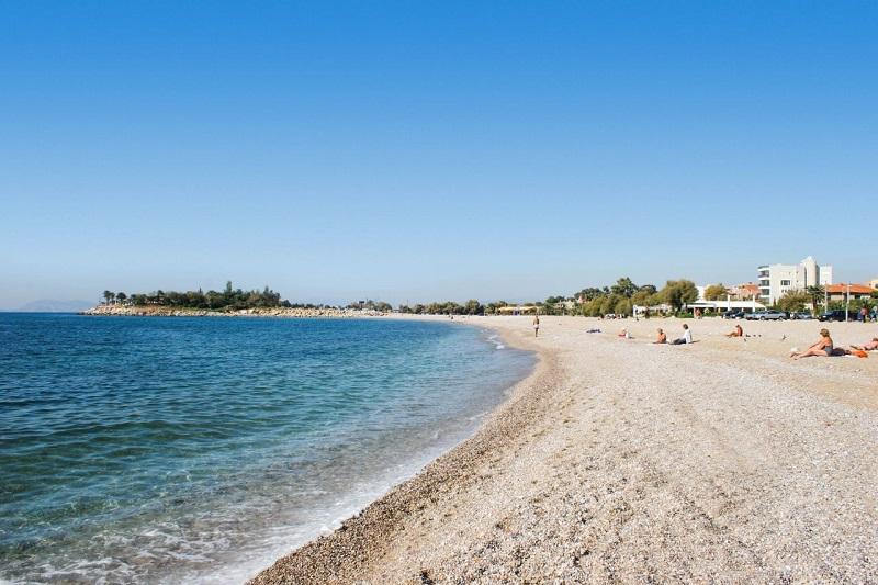 Praia de Glyfada perto de Atenas