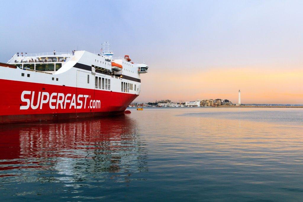 Ferry boat para as ilhas da Grécia