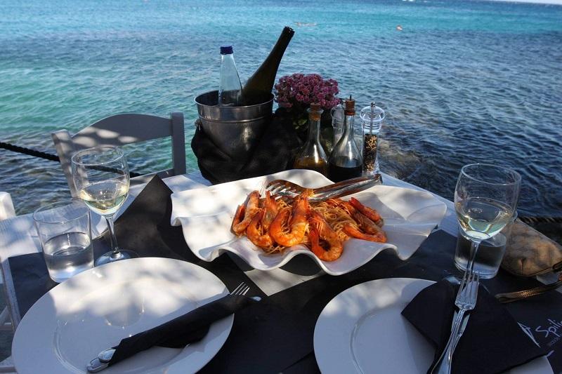 Prato do restaurante Spilia Seaside em Mykonos