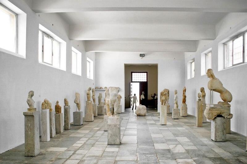 Interior do Museu Arqueológico de Mykonos