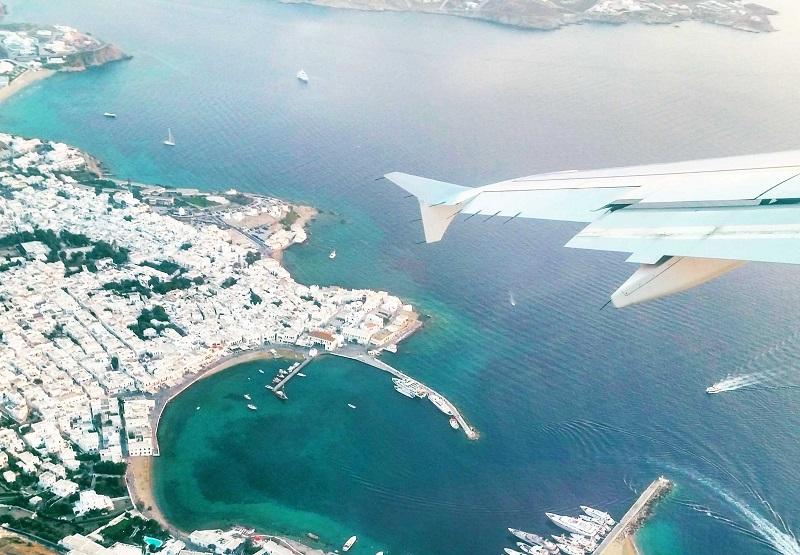 Voo de avião sobre Mykonos
