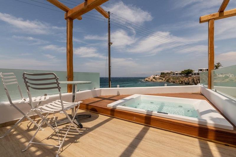 Ofurô do Poseidon Hotel Suites em Mykonos