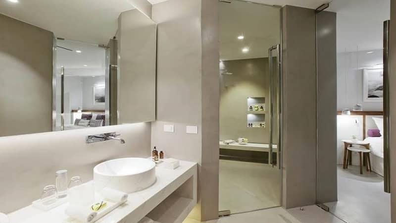 Banheiro de hotel em Santorini