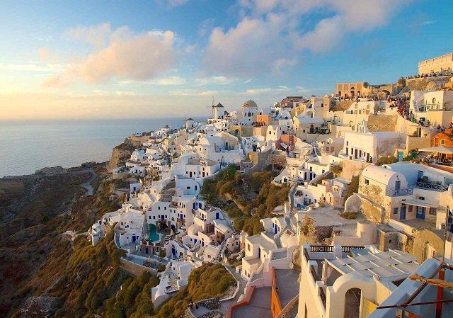 Quanto custa uma passagem aérea para Santorini