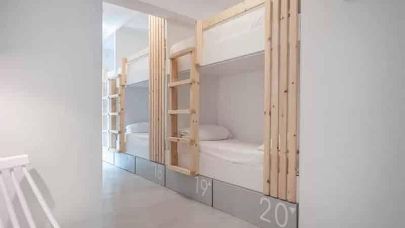 Quarto do Bedspot Hostel em Santorini