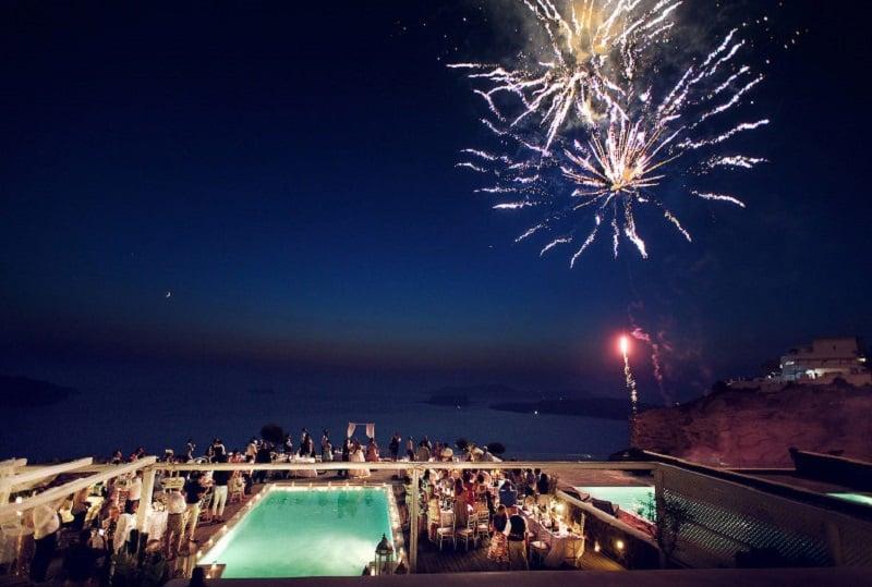 Noite em hotel de Santorini