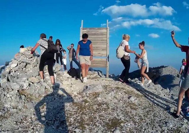 Meses de alta e baixa temporada nas ilhas gregas