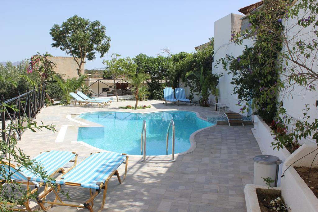 Piscina do Istron Blue em Creta