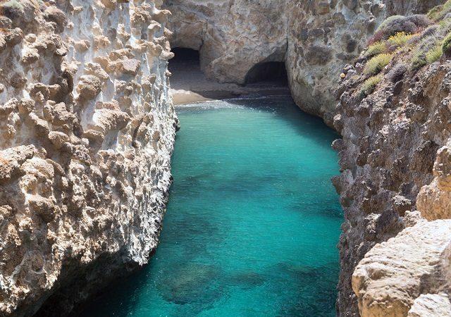Pontos turísticos em Milos na Grécia