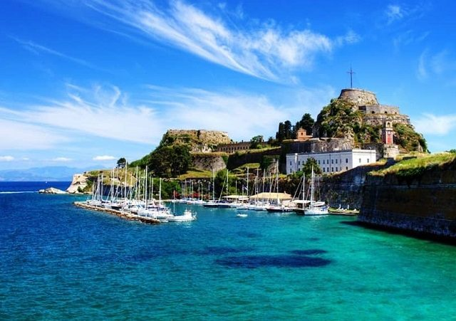 Pontos turísticos em Corfu na Grécia