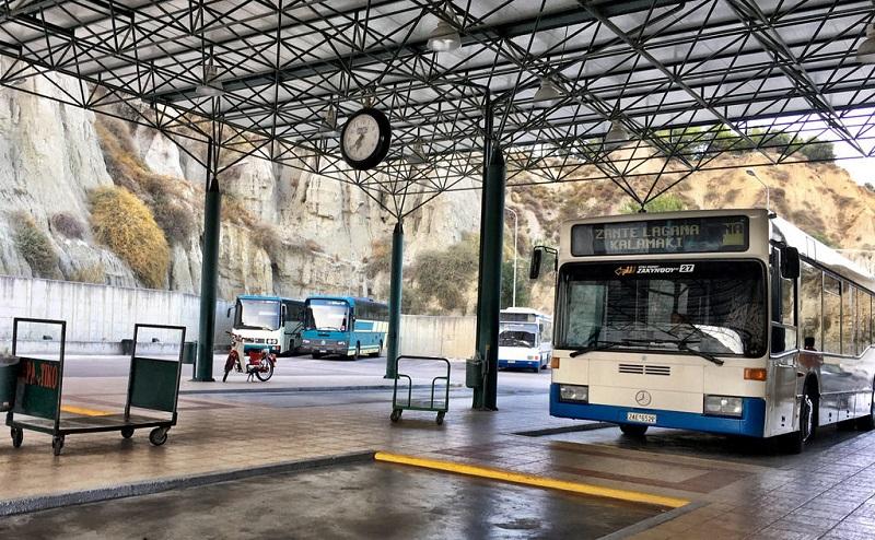 Do aeroporto até o centro de Zakynthos deônibus