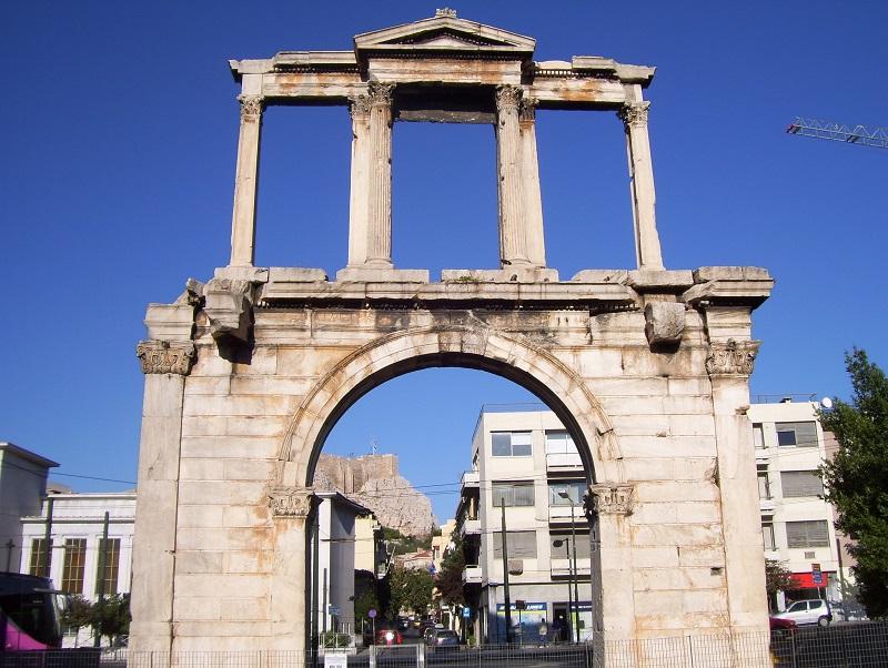 O que fazer no bairro de Plaka em Atenas: Arco de Adriano