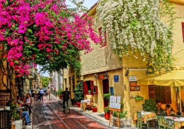 O que fazer no bairro de Plaka em Atenas