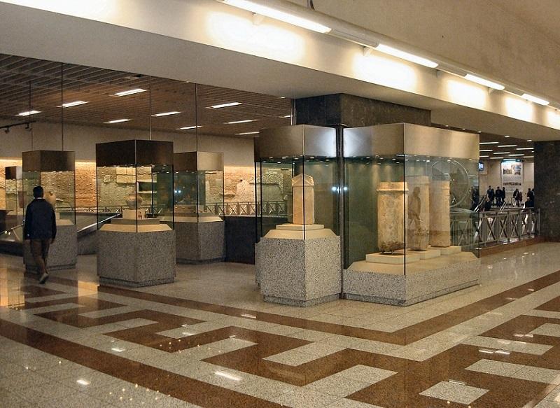 O que fazer no bairro de Syntagma em Atenas: Museu na estação de metrô da Praça Syntagma