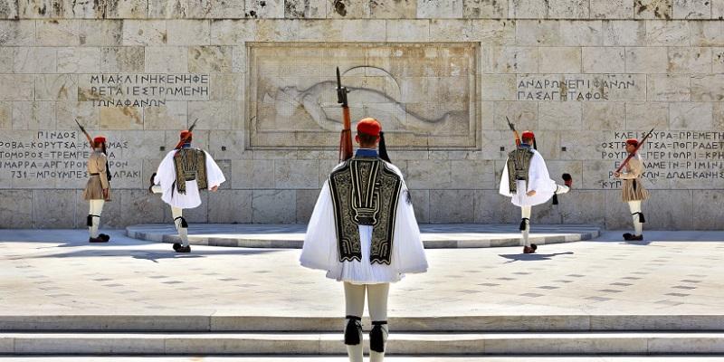 O que fazer no bairro de Syntagma em Atenas: Tumba do Soldado Desconhecido